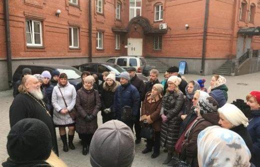 Прихожане Тихвинского храма посетили храмовый комплекс за Серпуховскими воротами