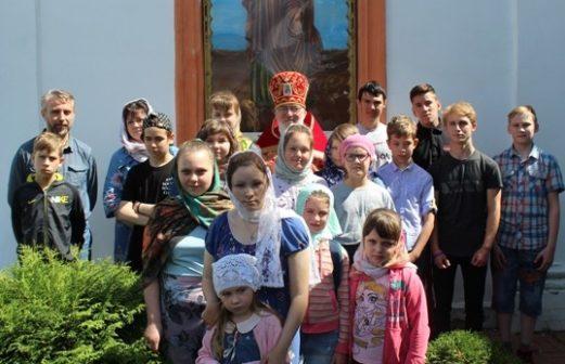 Поездка молодежи Тихвинского храма в Ильинский храм с. Мамонтово